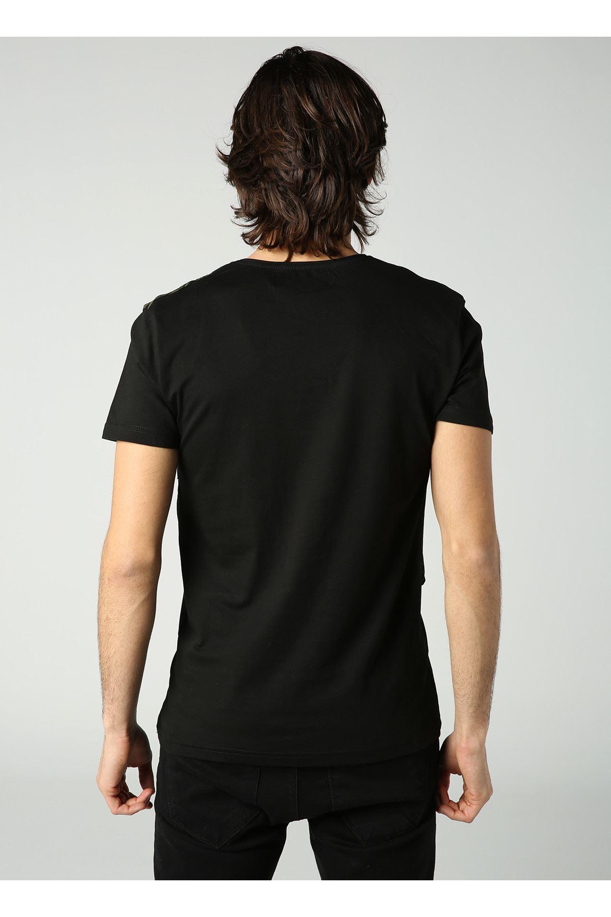 Bisiklet Yaka Çizgi Baskılı Erkek Siyah T-Shirt