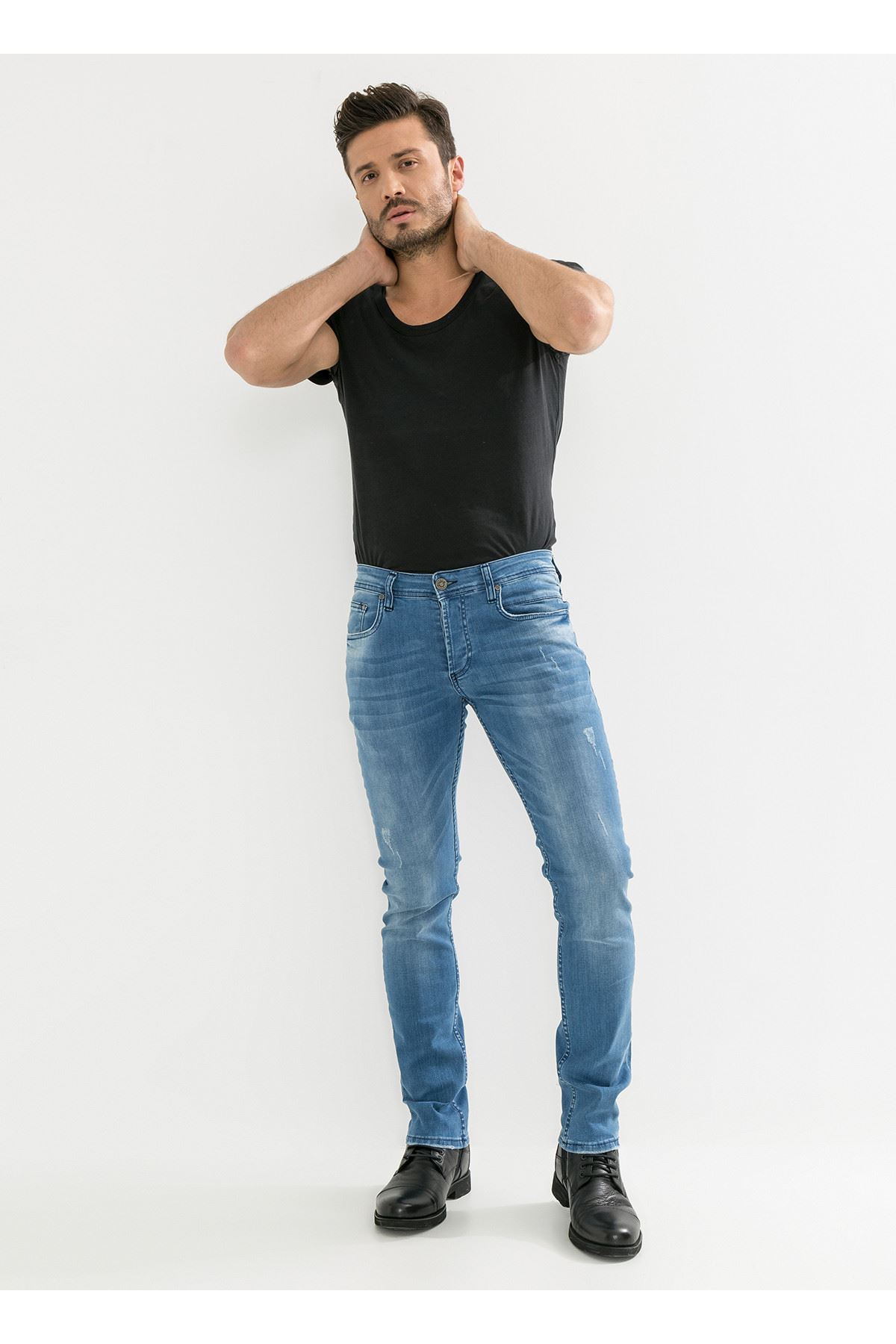 Mavi Yıpratmalı Erkek Kot Pantolon