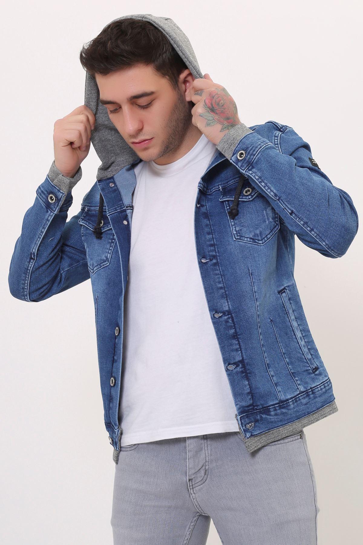 Kapüşonlu Erkek Mavi Kot Ceket Baskı Detay