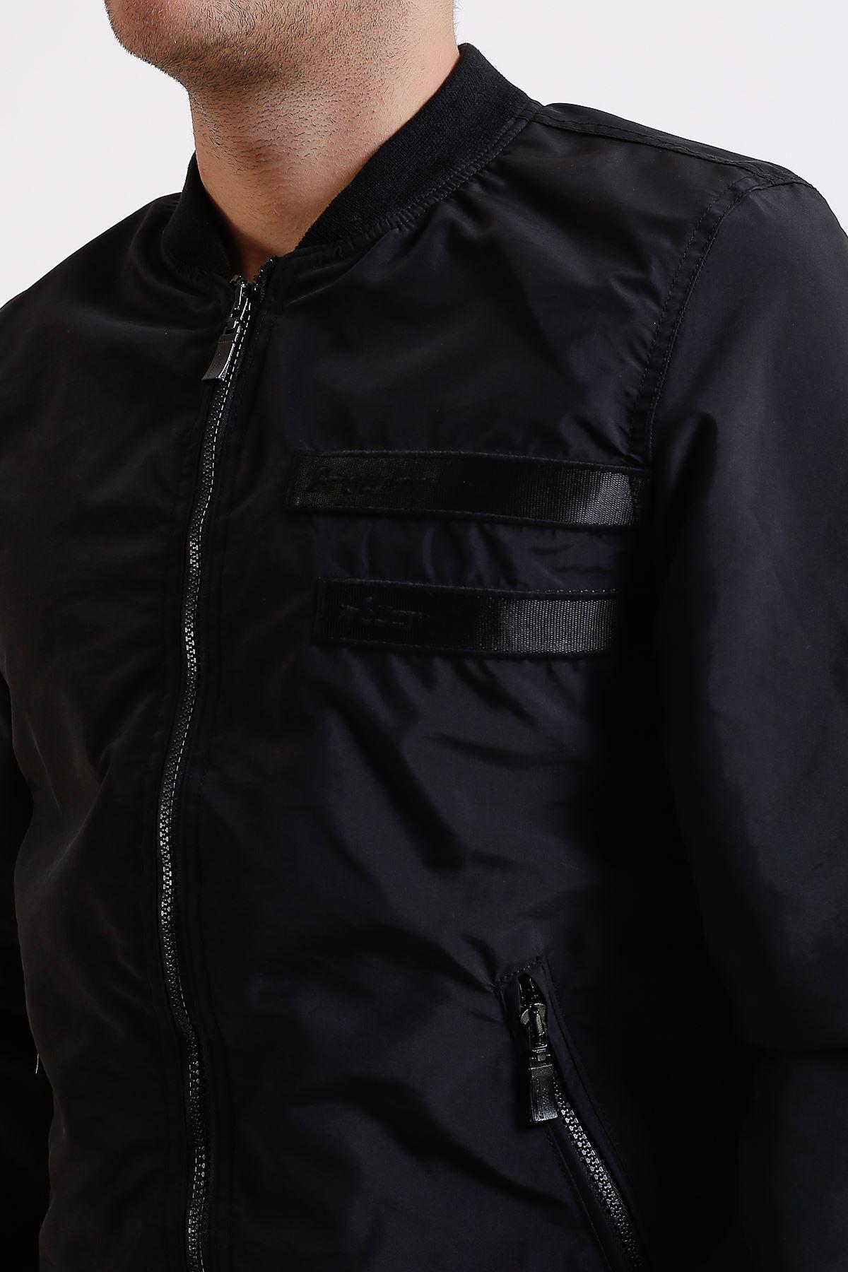 Erkek Hakim Yaka Fermuarlı Siyah İnce Yağmurluk Mont
